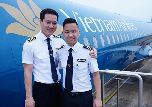 Phi công Vietnam Airlines