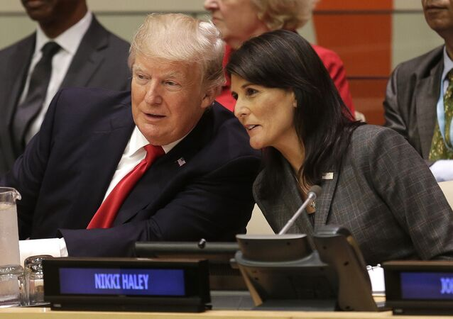 Donald Trump và Nikki Haley