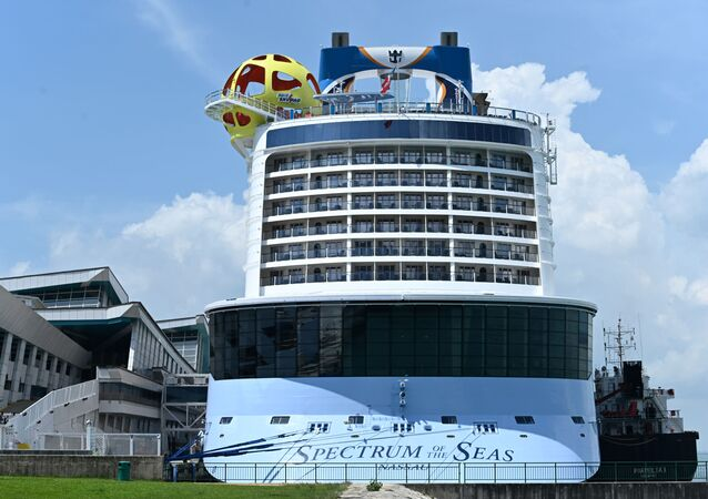 Spectrum of the Seas thuộc Hãng tàu biển Royal Carribean International (Mỹ)