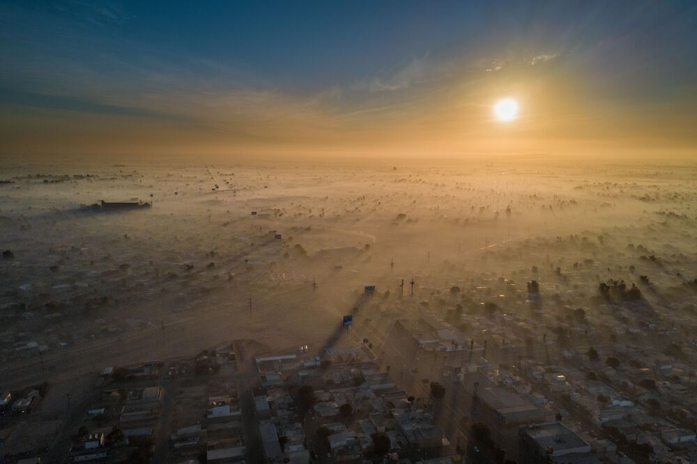 Bức ảnh Polluted New Year của nhiếp ảnh gia Eliud Gil Samaniego, đoạt giải Sustainable Cities Prize 2019 trong khuôn khổ cuộc thi The Environmental Photographer of the Year 2019
