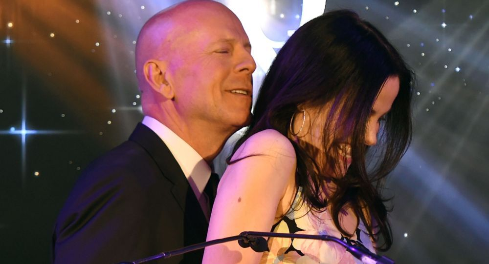 Bruce Willis và Mary Louise Parker.